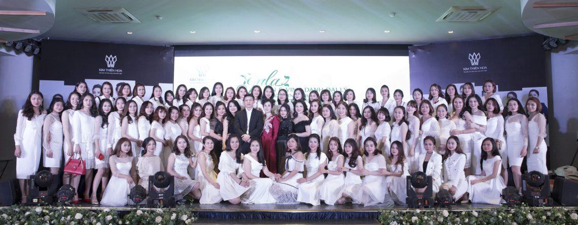 Ấn tượng đêm gala tri ân và vinh danh đại lý - Cty TNHH Chăm Sóc Sắc Đẹp Kim Thiên Hoa