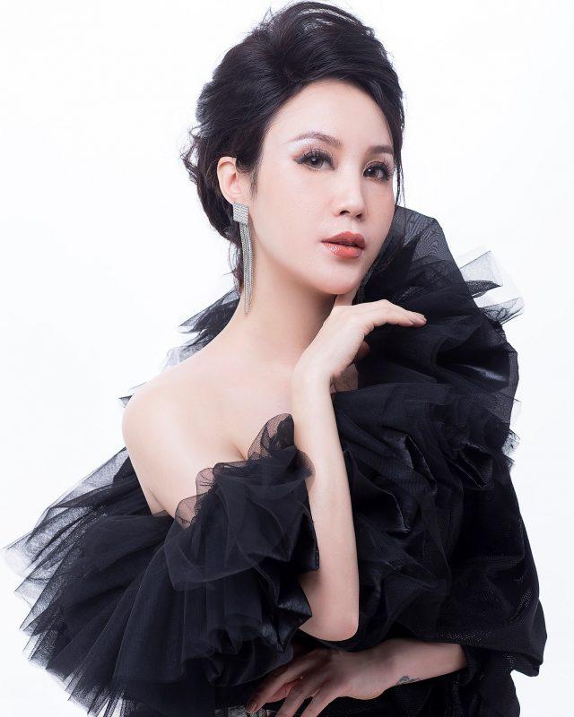 CEO Nguyễn Thị Ánh: 'Tôi không sợ bị so sánh với chồng trong công việc'